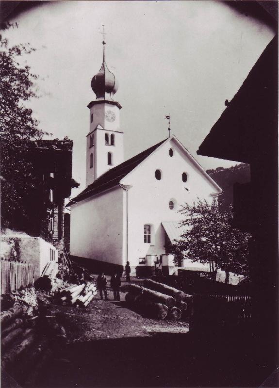 Kirchenplatz um 1895